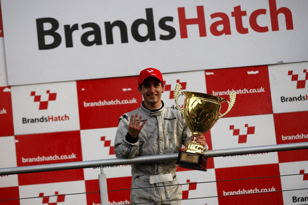 MSVR News - Oliveira retains Formula Vee title as Quick is crowned Lotus Cup UK champion