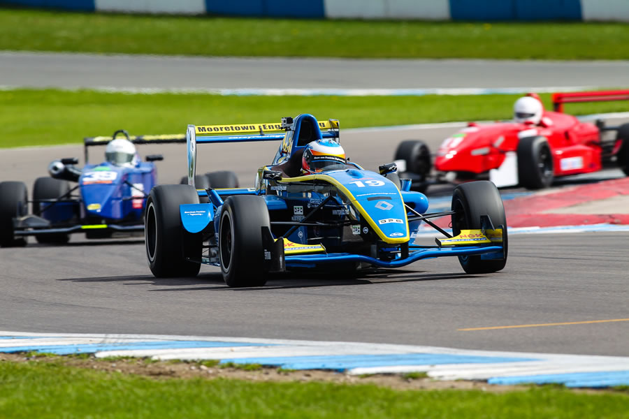 MSVR News - Monoposto Racing Club opens its doors to Formula Renault cars