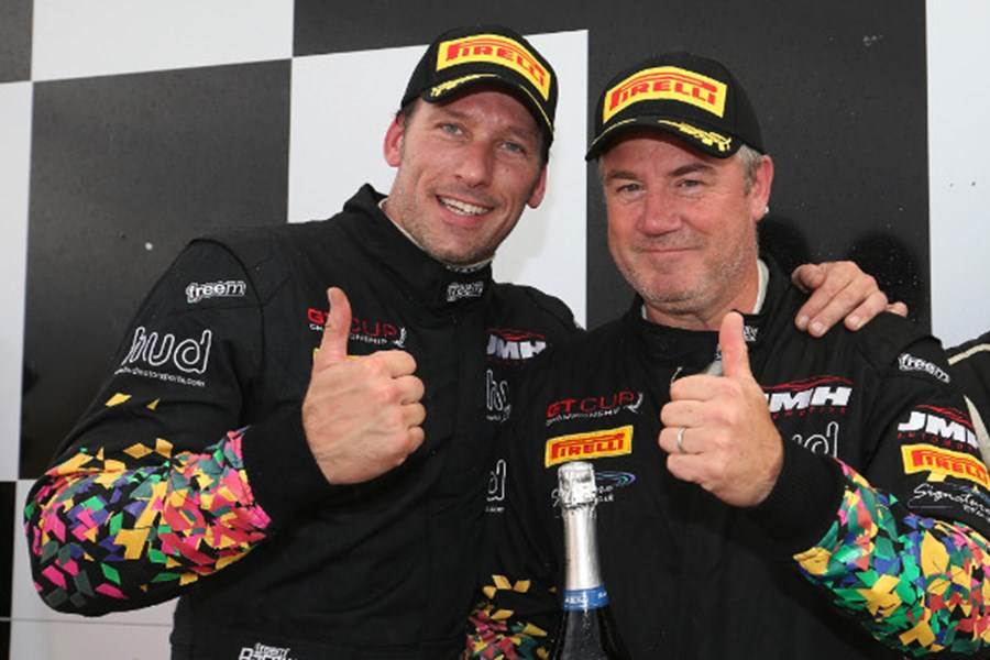 MSVR News - Hudson and Wilcox return for final title push in Aston Martin Vantage GT3